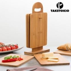 set de planches de cuisine en bambou avec support taketokio élégant sur une table