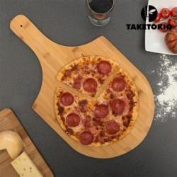 Planche pour pizza en bambou avec sa pizza