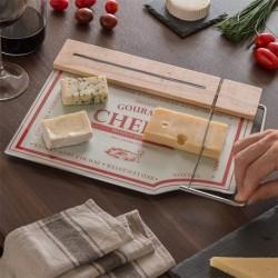 planche à découper avec coupeur à fromages indispensable sur votre table