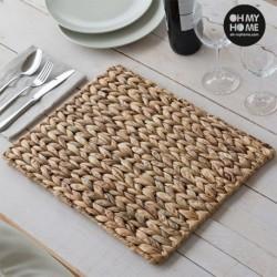 Dessous de plat en feuille de maïs oh my home élégant sur une table
